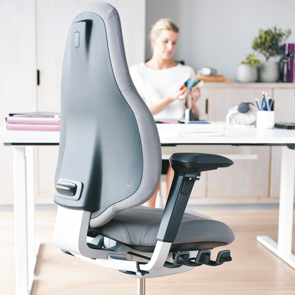 Rh Mereo 220 Black Ergonomic Chair From Posturite