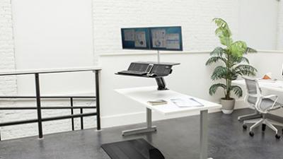 Lotus™ RT Sit-Stand Workstation is built for open, collaborative spaces