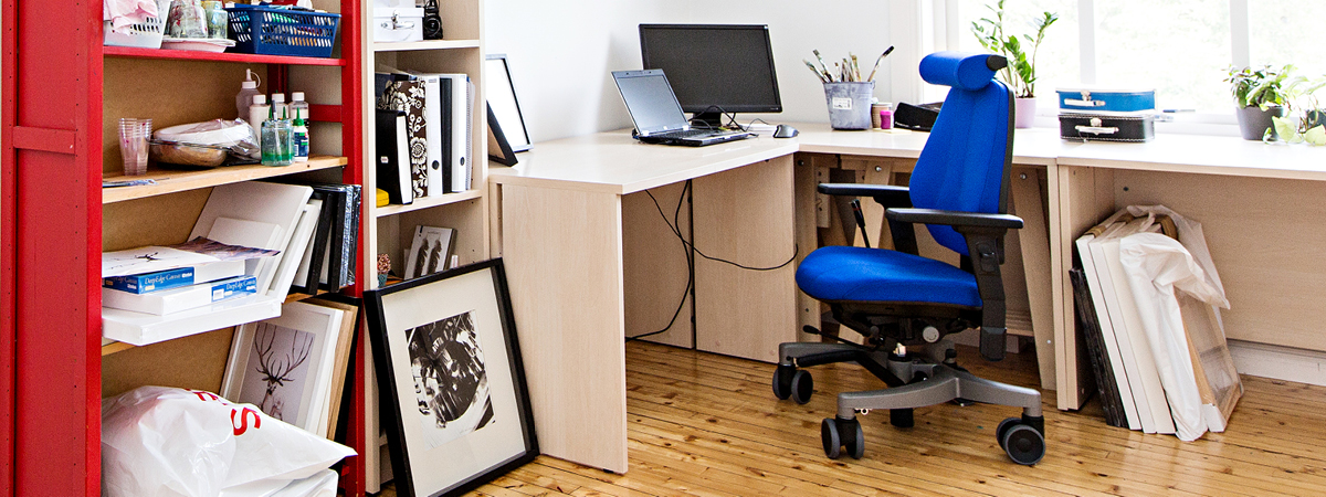 Lifestyle image showing a Hepro chair within a home office environment